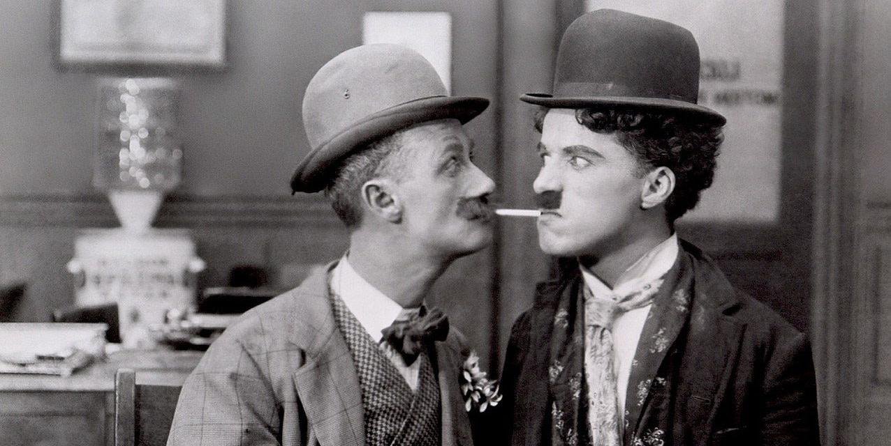 Charlie Chaplin in uno dei primi video.